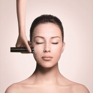 紫外線ダメージや加齢によるしわや毛穴の目立ちを改善