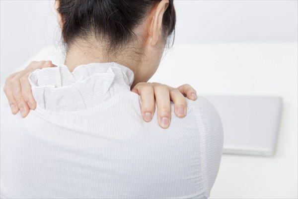 首や肩のつらさを改善したい